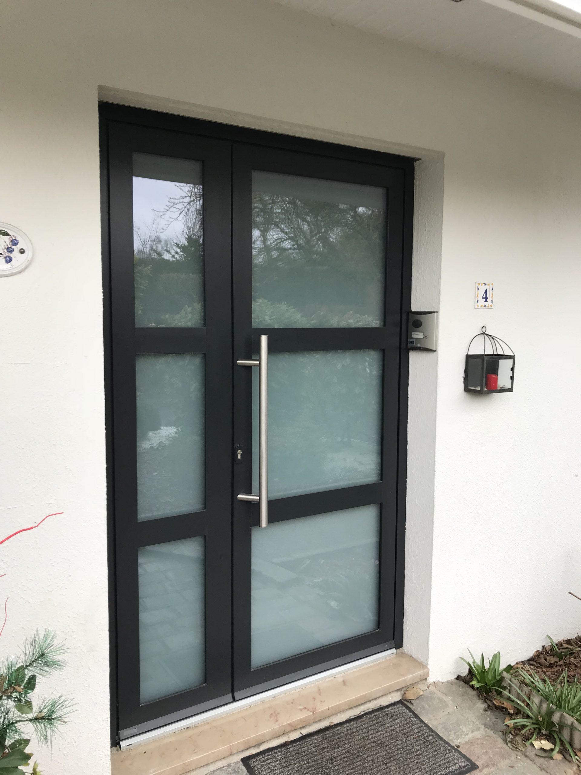 porte d'entrée aluminium verre Technal soleal